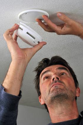 Pose d'un détecteur de fumée