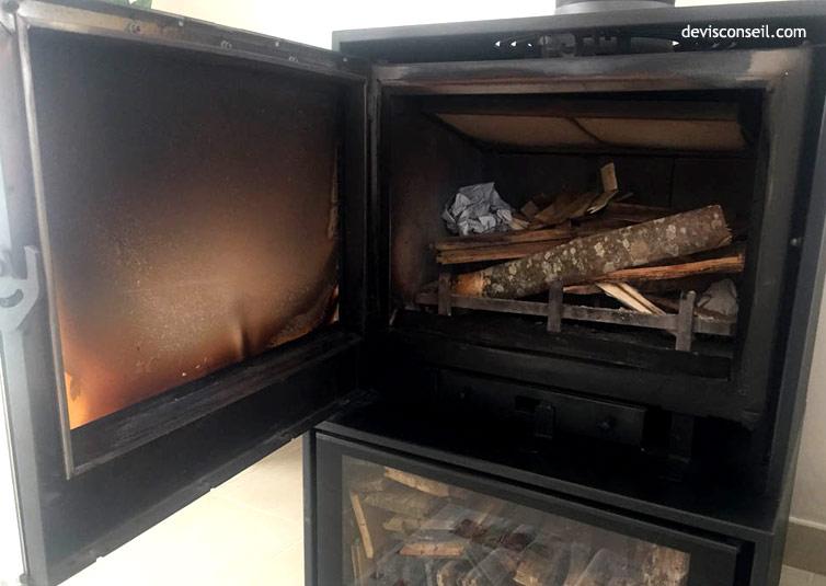 Vitre encrassée - Nettoyer la vitre poêle ou cheminée
